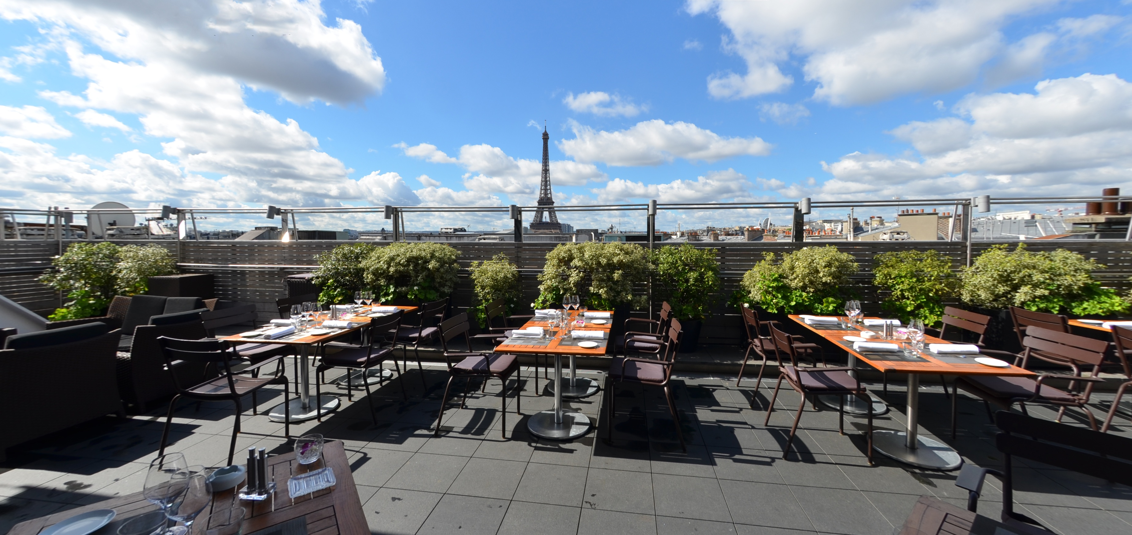 MAISON BLANCHE, terrasse avenue Georges V, rooftop restaurant, paris, restaurant 75008 avenue Georges V, luxe,