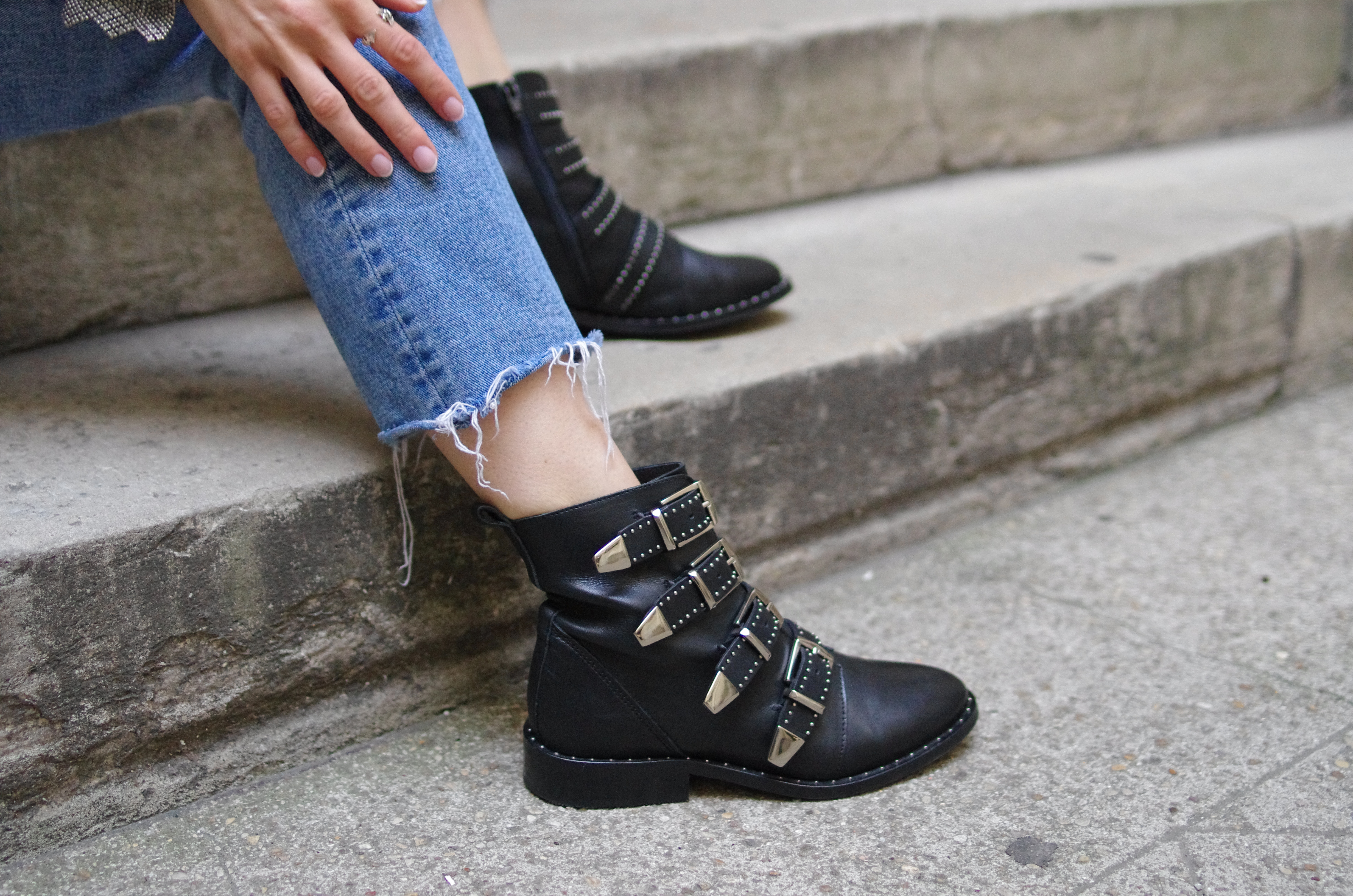sacha shoes ; boots ; bottines ; chaussures ; winter boots ; boots militaire ; boots givenchy ;